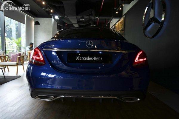 Foto tampilan belakang Mercedes-Benz C300 AMG Line Final Edition 2021
