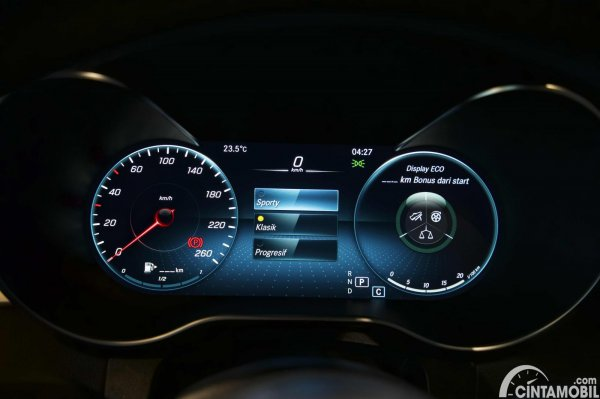 Foto panel instrumen Mercedes-Benz C300 AMG Line Final Edition 2021