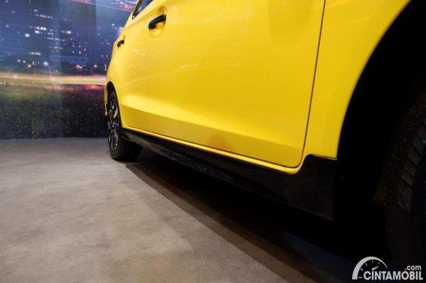 Foto side skirt Honda Brio RS Urbanite Edition 2021