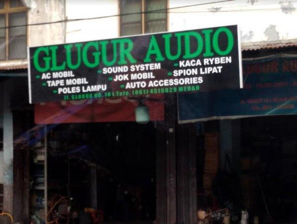 Foto menunjukkan toko aksesoris Glugur Audio Medan