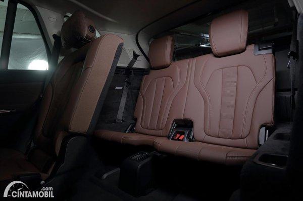 Kursi baris ketiga di BMW X5 G05