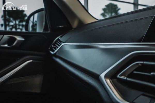 Dasbor BMW X5 xDrive 40i 2021