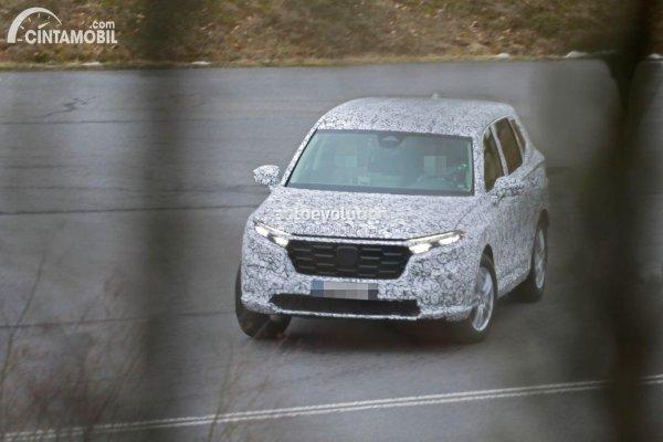 generasi terbaru Honda CR-V berbalut kamuflase