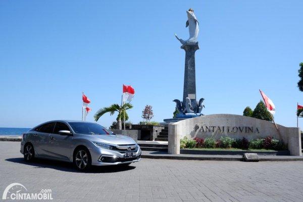 Foto Honda Civc Turbo Sedan Di Pantai Lovina