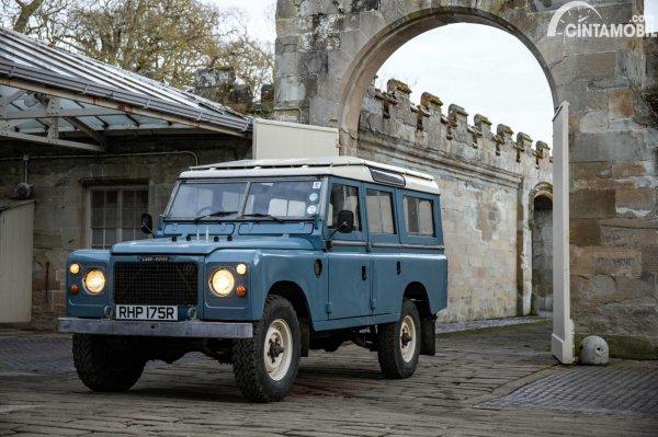 Gambar Land Rover Seri 3 V8
