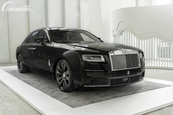mobil baru Rolls Royce Ghost 2021
