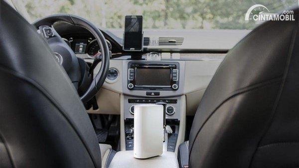 Gambar menunjukkan Car air purifier