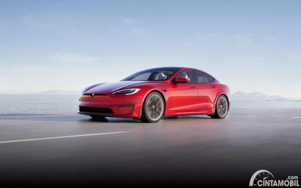 enam varian mobil listrik Tesla