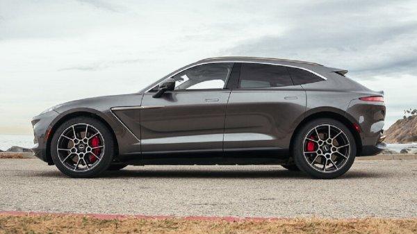 Gambar menunjukan Aston Martin DBX