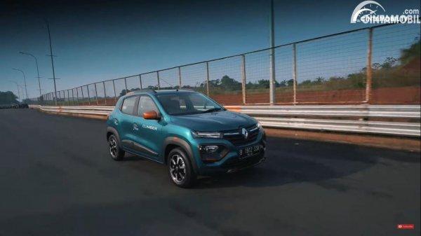 Foto tes jalan Renault Kwid Climber AMT 2021