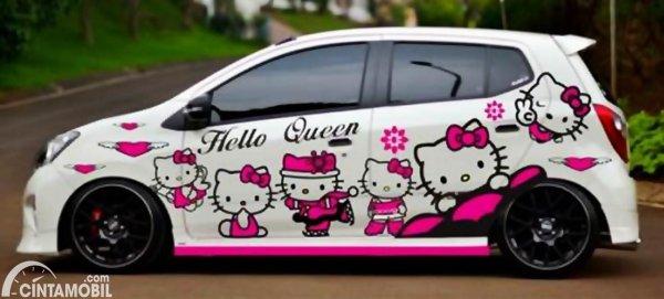 Modifikasi Stiker Mobil Agya Putih