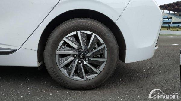 Foto ban dan velg Hyundai IONIQ