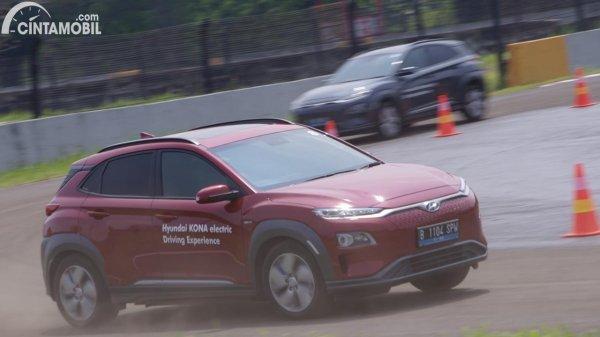 Gambar Hyundai KONA EV 2020 di sirkuit sentul