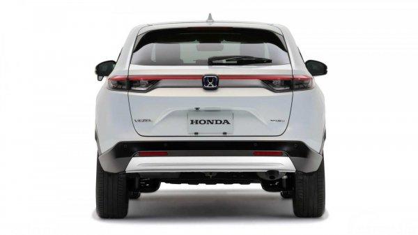 Eksterior belakang Honda Vezel 2021 berwarna putih