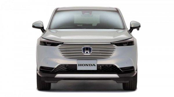 Eksterior depan Honda Vezel 2021 berwarna putih