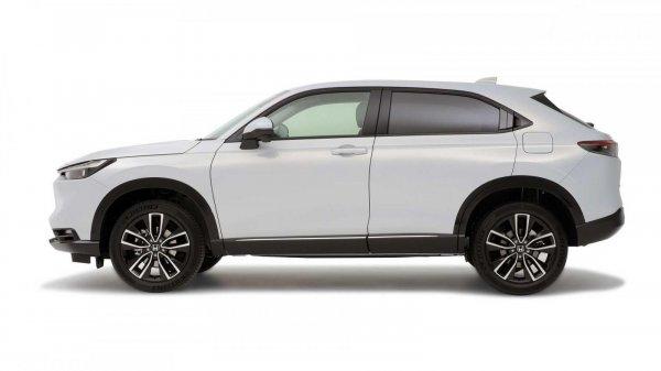 Eksterior samping Honda Vezel 2021 berwarna putih