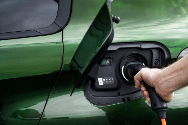 Gambar menunjukan Plug-in hybrid