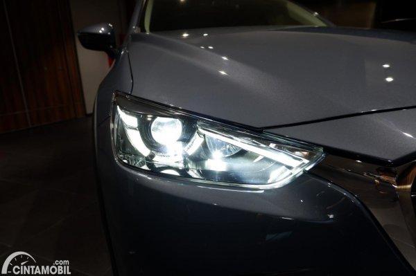 Foto headlamp Mazda CX-3 1.5L Sport 2021