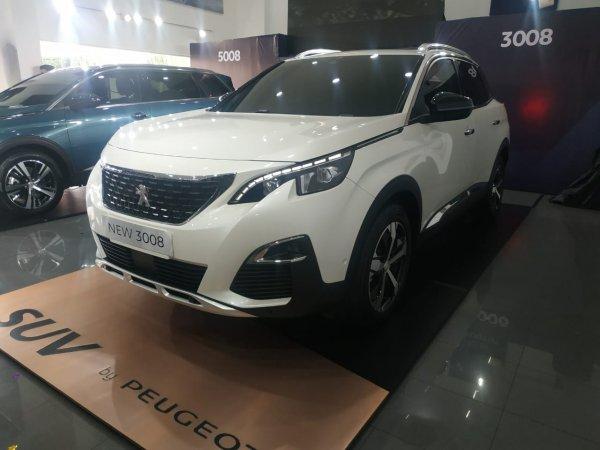 Gambar menunjukan Peugeot 3008