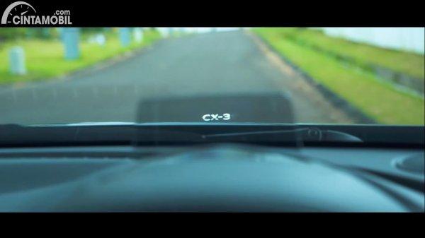 kelebihan Mazda CX-3 dengan fitur Active Driving Display