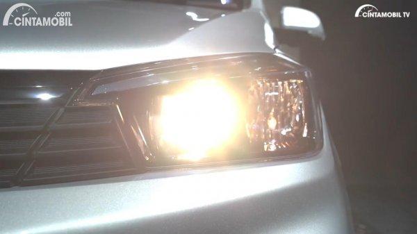 Lampu depan Wuling Confero S 2021