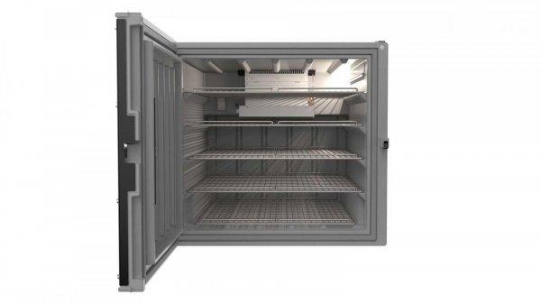 lemari es yang dipersiapkan pada Toyota Land Cruiser