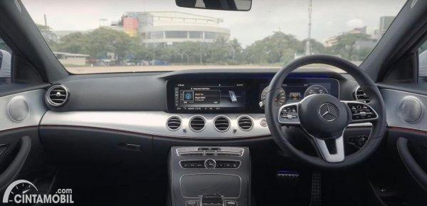 kabin Mercedes-Benz E-Class