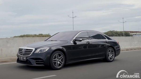 tampilan Mercedes-Benz S-Class