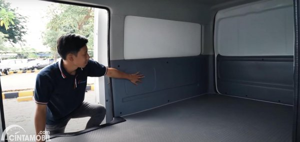 Tampilan dalam Suzuki Carry Blind Van 2021