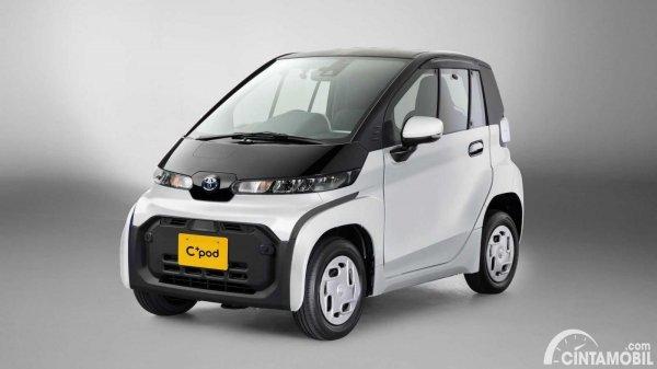 Gambar menunjukan Mobil listrik Toyota