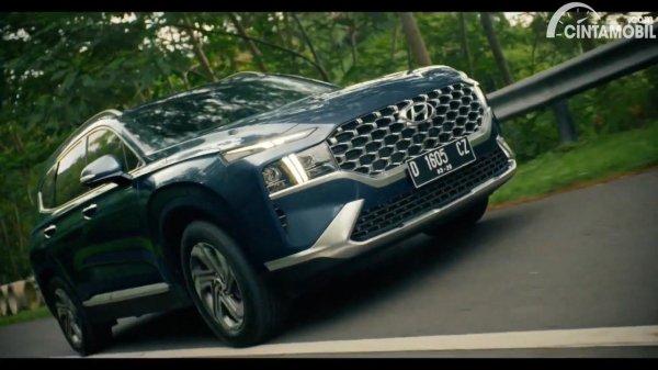 Gambar tampilan depan Hyundai New Santa Fe 2021