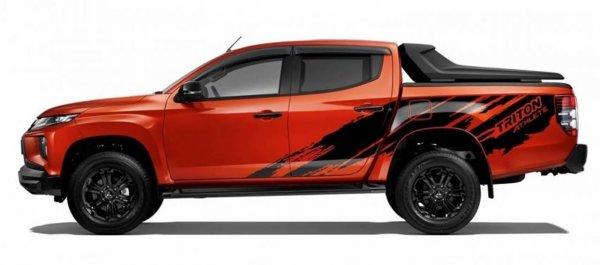 Mitsubishi Triton Athlete samping