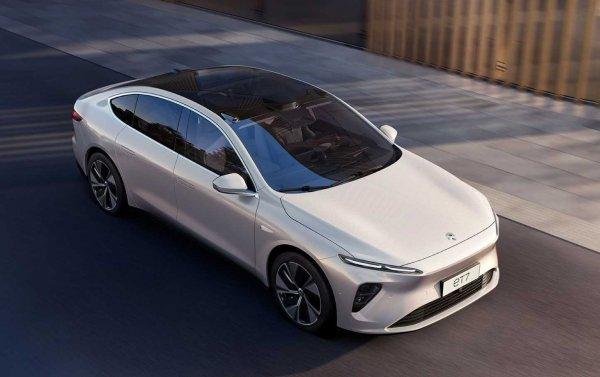 Foto mobil listrik NIO ET7 sedan