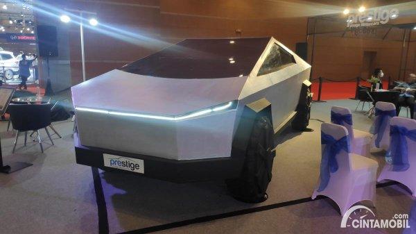 Gambar menunjukan Tesla Cyber truk