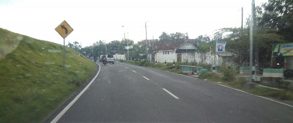 gambar jalan raya ploso, jombang