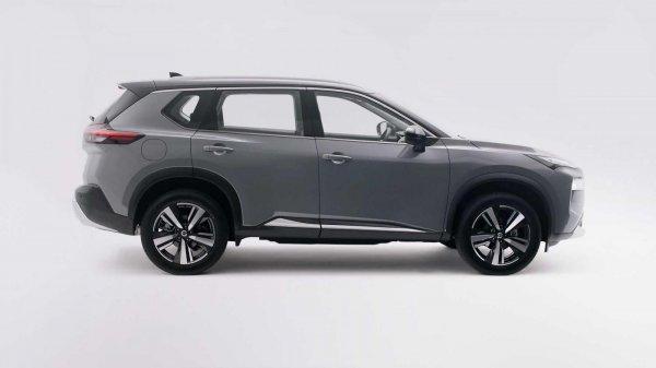 Gambar menunjukan elsterior samping Nissan X-trail