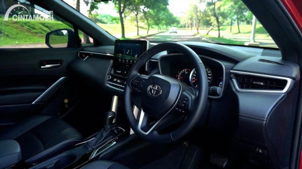 Foto layout dashboard Toyota Corolla Cross 1.8 Gasoline AT 2021