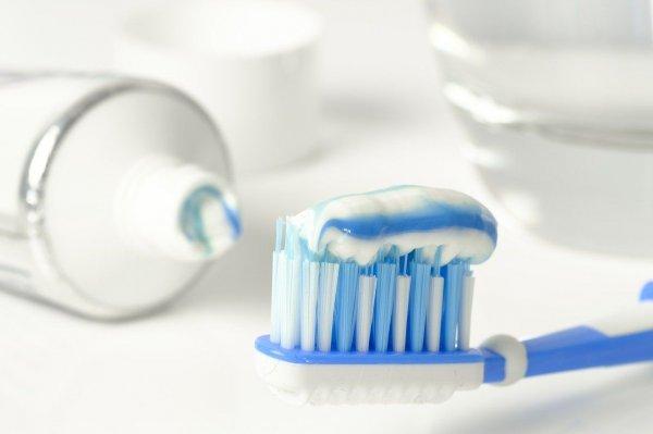 pasta gigi bisa membersihkan kaca mobil