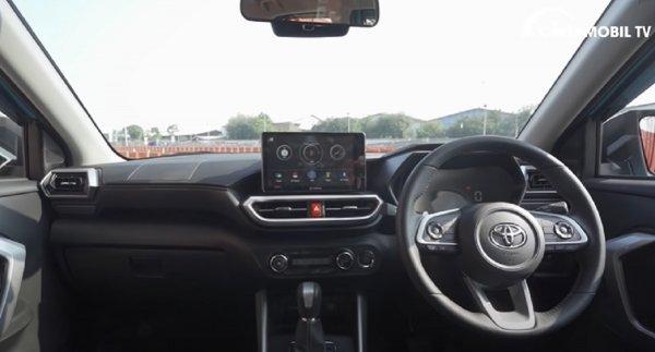 Gambar menunjukan interior Toyota Raize