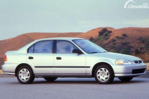 5 Pilihan Mobil Paling Mudah Diperbaiki Untuk Pemula 2021 mobil Honda Civic