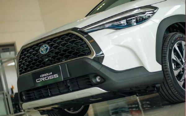 Toyota Corolla Cross Hybrid Bakal Diproduksi di Indonesia?