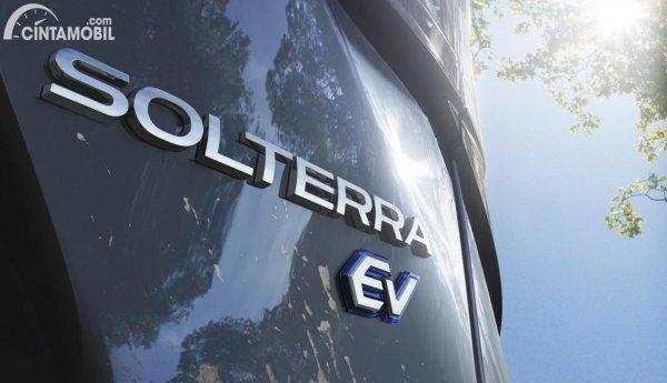 logo dari mobil listrik Subaru Solterra