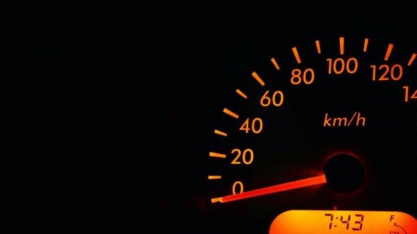 Kurangi kecepatan saat melintas di gang