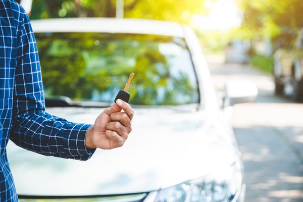 harga beli mobil matic lebih mahal