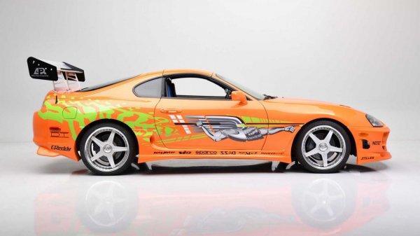Gambar menunjukan Toyota Supra