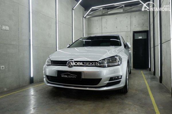 Volkswagen Golf MK7 yang dipasarkan di Indonesia