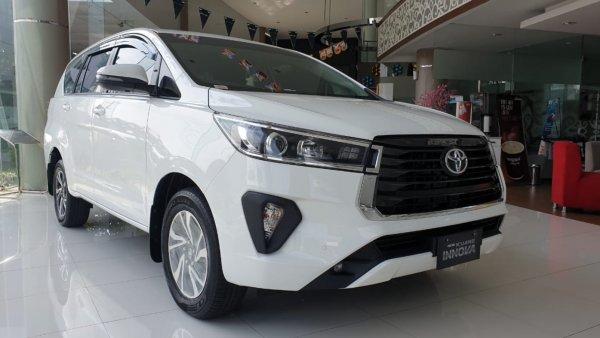 Foto Toyota Kijang Innova Venturer 2021 di dealer Toyota Semarang