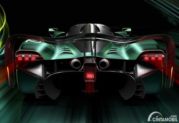 bagian belakang Aston Martin Valkyrie AMG Pro berwarna hitam