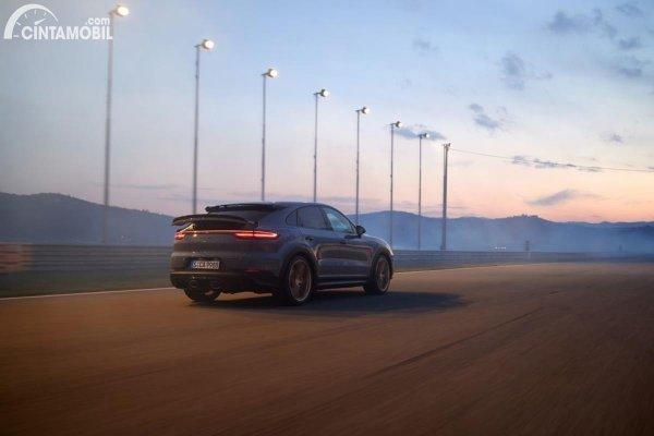Gambar Cayenne Turbo GT