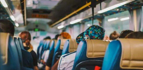 Foto penumpang bus AKAP